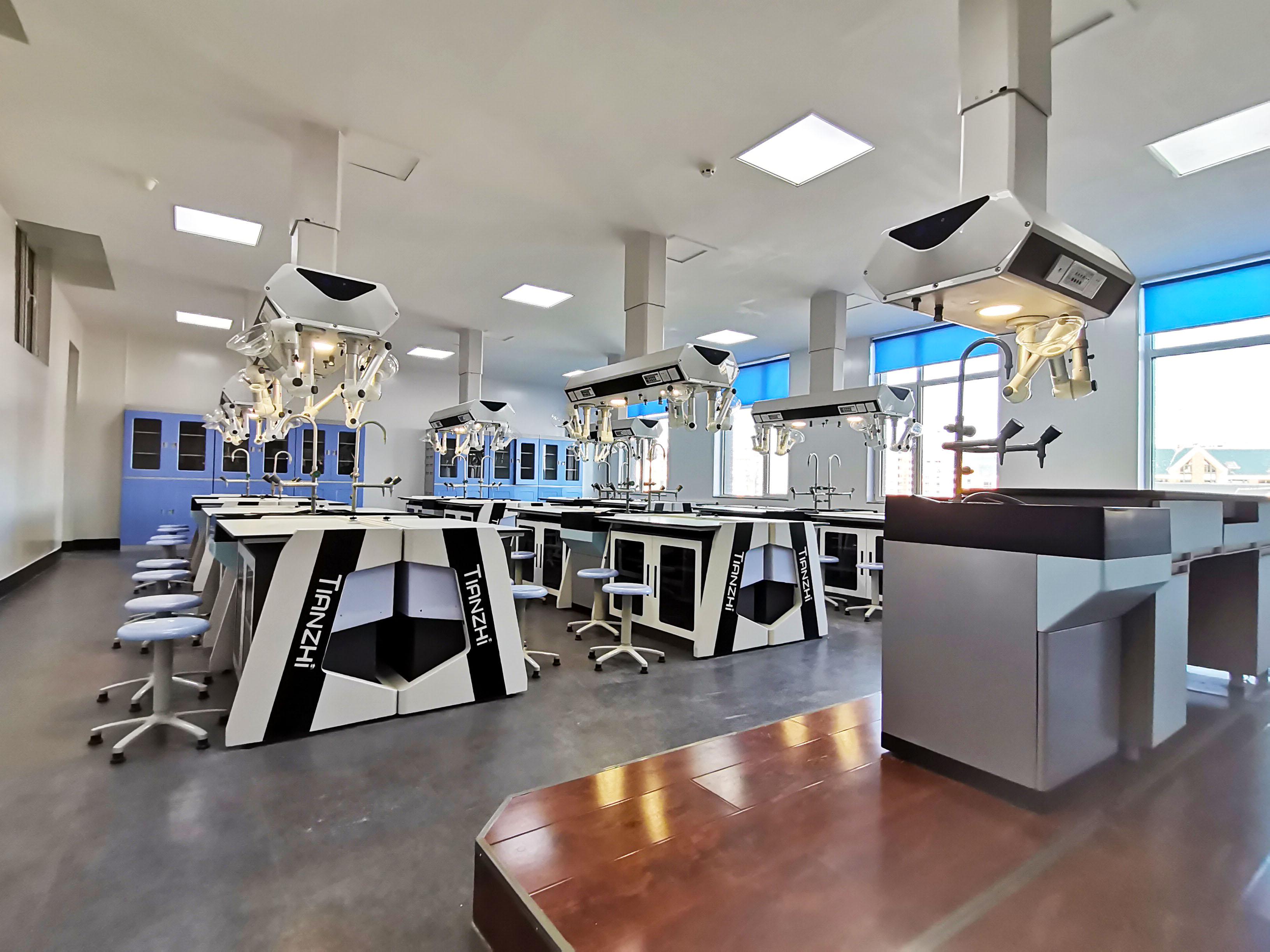天智·辽宁省营口市高级中学·学生考试系统智能实验室